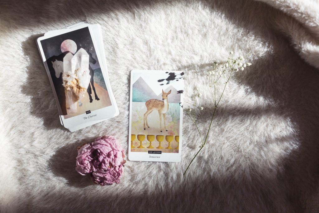 tarot cards and crystal how to use oracle cards comparing